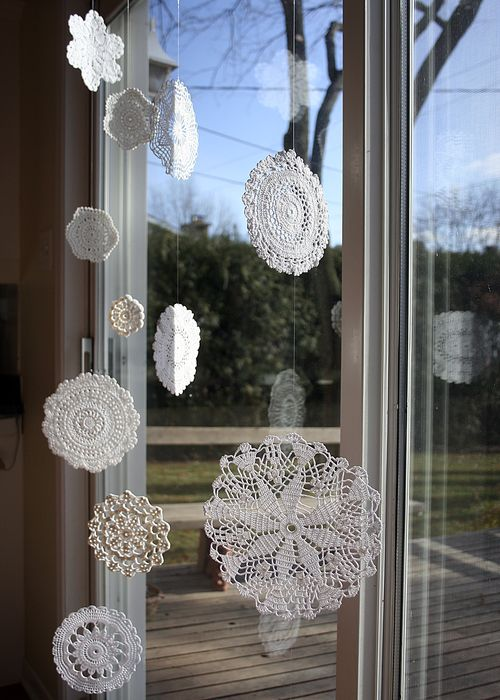 Doily curtain 1